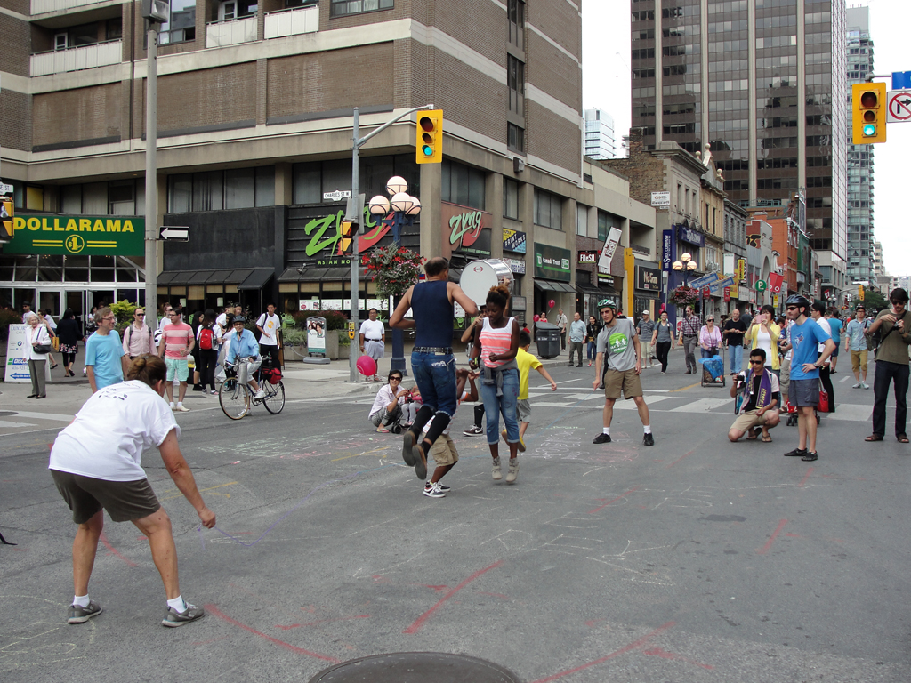 Jump rope on Yonge St